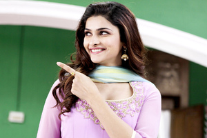 Prachi Desai Cute Wallpaper
