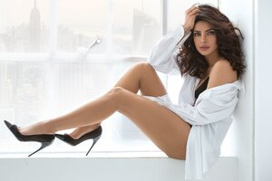 Priyanka Chopra 14 Wallpaper