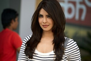Priyanka Chopra 9 Wallpaper