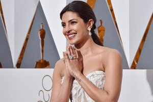 Priyanka Chopra In Oscar Awards Wallpaper