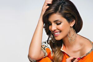 Priyanka Chopra Smiling Wallpaper
