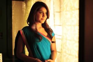 Rashi Khanna Wallpaper