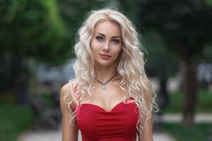 Red Dress Blue Eyes Model Wallpaper
