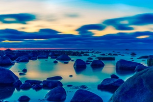 Rocks Shore Beach Light Landscape 5k
