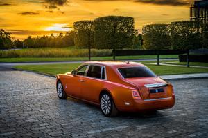 Rolls Royce Phantom EWB 4k Rear