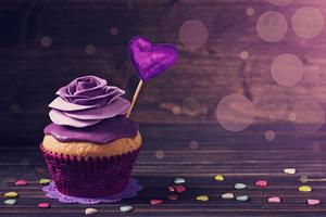 Roses Cupcake Wallpaper
