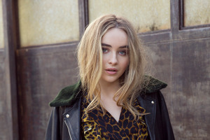 Sabrina Carpenter 4k 2017