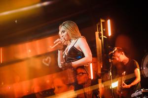 Sabrina Carpenter American Singer Live Performance 2018 5k