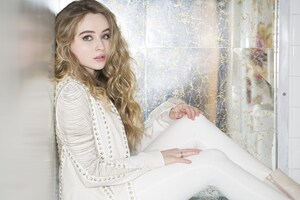 Sabrina Carpenter Cute 4k