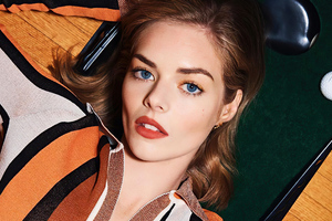 Samara Weaving Wonderland Magazine 2020 Wallpaper