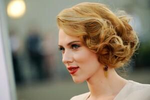 Scarlett Johansson 10 Wallpaper