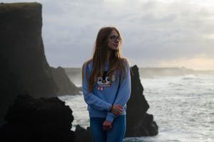 Sea Outdoors Girl 5k Wallpaper