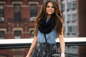 Selena Gomez 3 Wallpaper