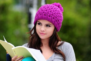 Selena Gomez Cute Wallpaper