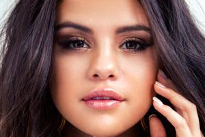 Selena Gomez Face Portrait 4k
