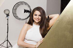 Selena Gomez Pantene 4k