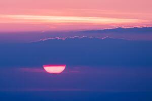 Setting Sun Behind Cloud 4k