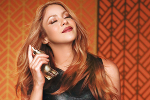 Shakira Perfume Dance Midnight 2020 4k Wallpaper
