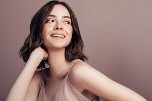 Short Hair Girl Smiling 5k Wallpaper