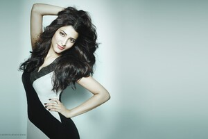 Shruti Hassan 3 Wallpaper