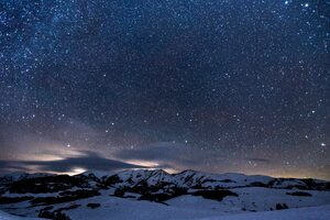 Sky Full Of Stars Snowy Mountains 5k