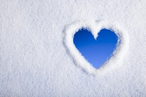 Snow Heart Wallpaper