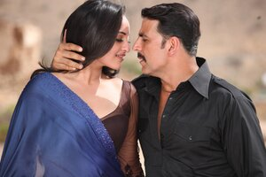 Sonakshi Sinha With Akshay Kumar Wallpaper