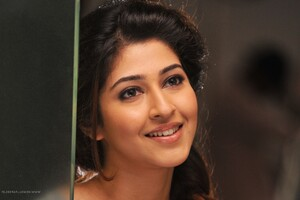 Sonarika Bhadoria 3 Wallpaper