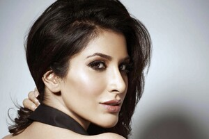 Sophie Choudry Wallpaper
