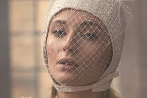 Sophie Turner Fashion Photoshoot Wallpaper