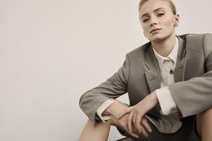 Sophie Turner Net A Porter 2019