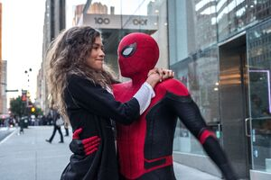 Spider Man And Zendaya In Spider Man Far From Home 2019 Wallpaper