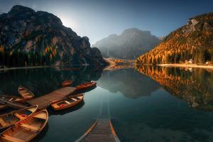 Sun Ray Boat Reflection Landscape Wallpaper