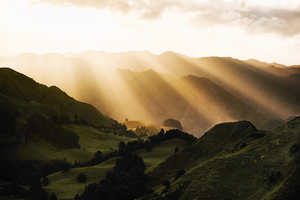 Sunbeams Morning Mountains Wallpaper