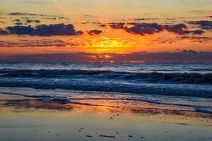 Sunrise At Huntington Beach State Park 5k Wallpaper