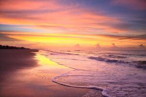 Sunrise On The Beach In The Summer Time At Ocean Isle Beach 4k