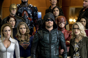 Supergirl Arrow The Flash And Legends Of Tomorrow Crossover Wallpaper