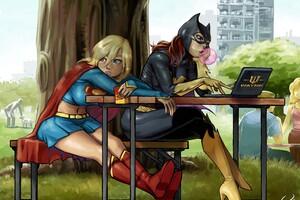 Supergirl Batgirl