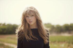 Taylor Swift 8k 2020 Wallpaper