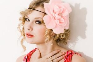 Taylor Swift 9 Wallpaper