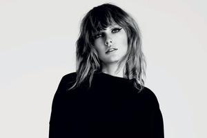 Taylor Swift Monochrome 5k