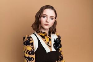 Thomasin McKenzie The Bafta Los Angles Photoshoot Wallpaper