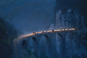 Train Coming Out Of Tunnel Wallpaper