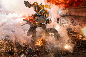 Transformers The Last Knight Bumblebee Goes To War 8k Wallpaper