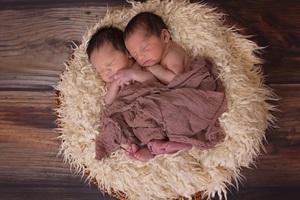 Twins Babies Wallpaper