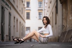 Urban Girl Outdoor 5k Wallpaper