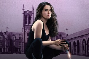Vampire Academy Zoey Deutch Wallpaper