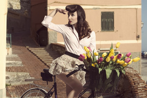 Vintage Dress Girl 8k Wallpaper