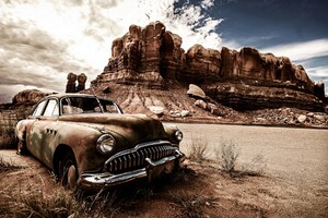 Vintage Dusty Car Wallpaper