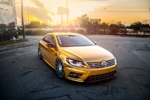 Volkswagen Passat Gold Wrap Wallpaper